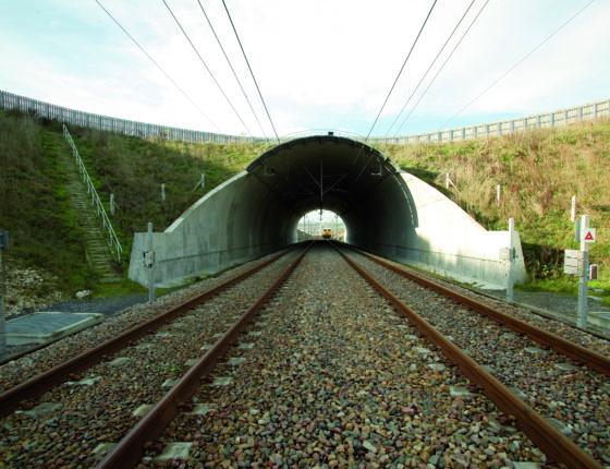 Section 112/120m2 longueur 68ml CM4 sur la LGV Nord vers Ocquerre en 2003